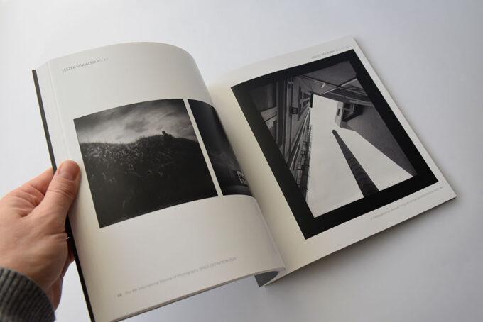 21 Katalog Definicja Przestrzeni 4 Miedzynarodowe Biennale Fotografii 2