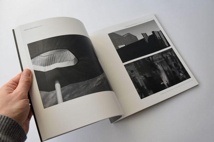 21 Katalog Definicja Przestrzeni 4 Miedzynarodowe Biennale Fotografii 3
