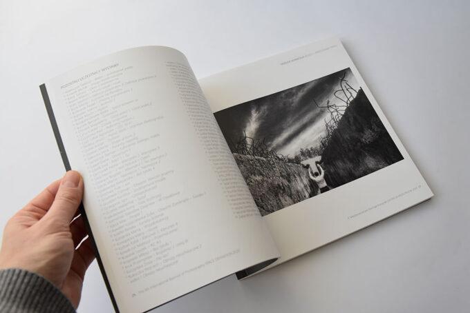 21 Katalog Definicja Przestrzeni 4 Miedzynarodowe Biennale Fotografii 5