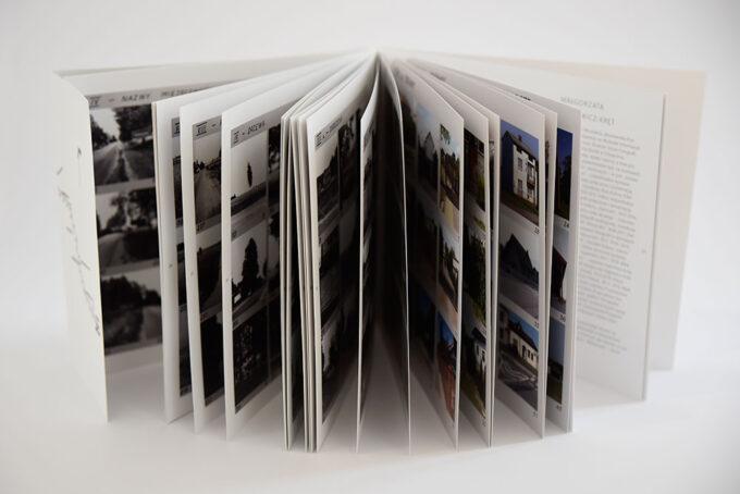 Katalog konteksty Kielce Włoszczowa rozłożony w harmonijkę